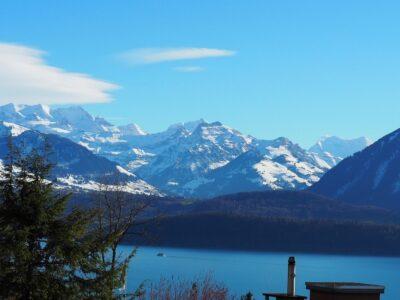 Aussicht Oberhofen - Richtung Jungfrau