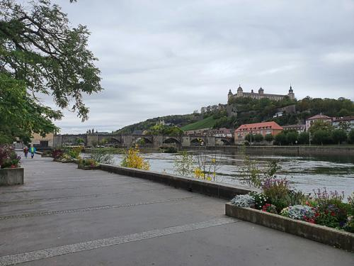 Würzburg - Mespelbrunn - Passau